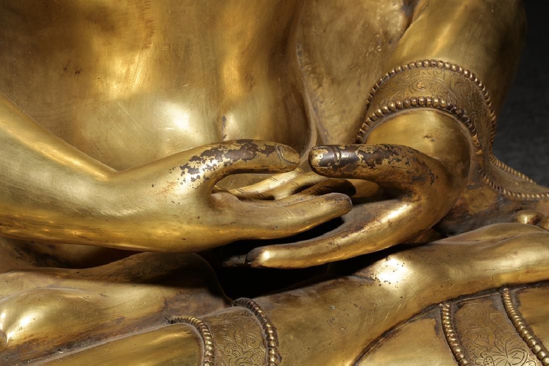 Large Chinese Qing Dynasty Gilt Bronze Buddha - 6