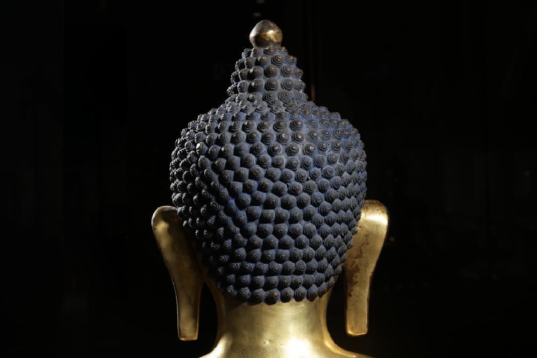 Large Chinese Qing Dynasty Gilt Bronze Buddha - 8