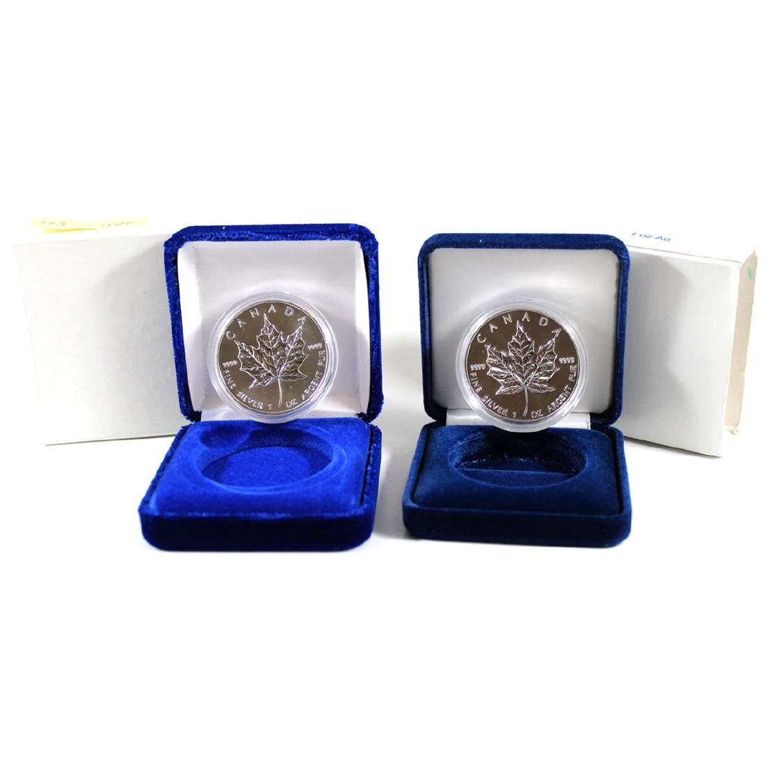 1994 & 2011 Canada 1ox Silver Maple Leafs with Display