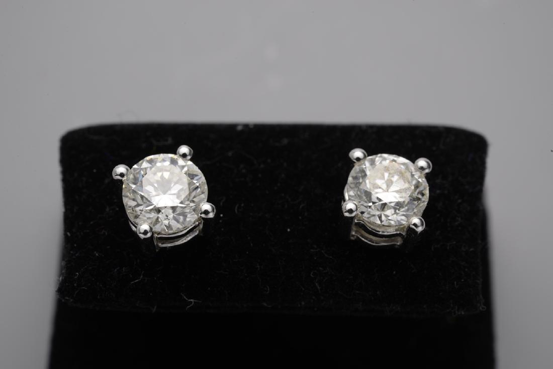 Diamond Studs 1.10 Carats on White 18K Gold