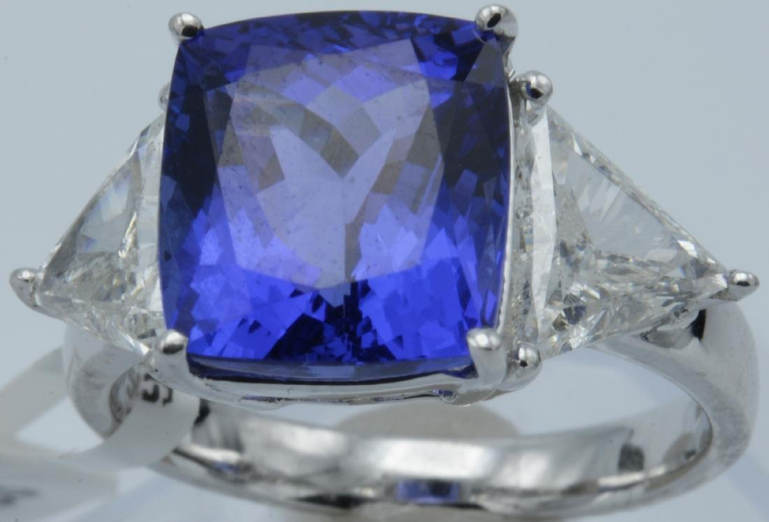 Cushion Tanzanite Diamond & Gold Ring