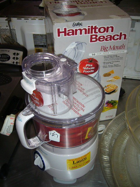127: Hamilton Beach 70590 Big Mouth 14 Cup Food Process