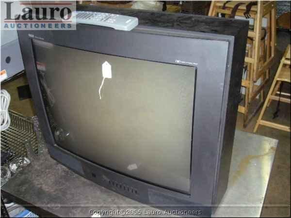 """117C: RCA F27731BK 27"""" Color Television w/ Remote"""