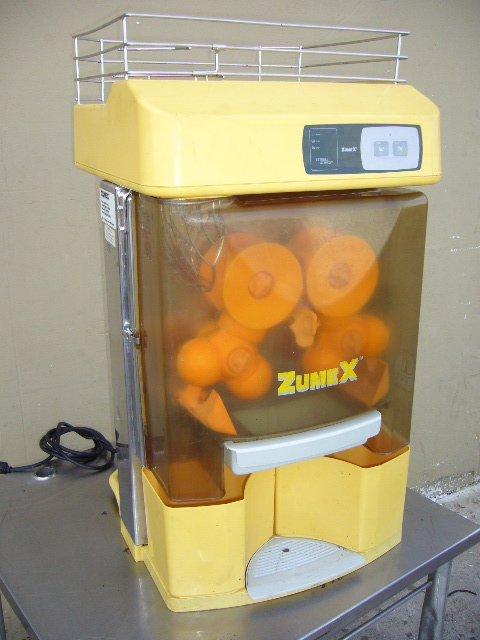 84F: Zumex 200 C/T Orange Juice Extractor