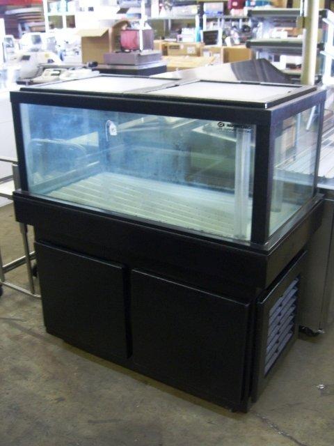 85: Marineland Lobster Tank