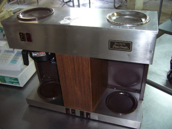 7: Bunn VPS PourOMatic Coffee Machine