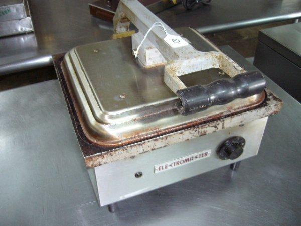 """8: Electromaster SAS-10001 B3 13""""x14"""" C/T Sandwich Gril"""