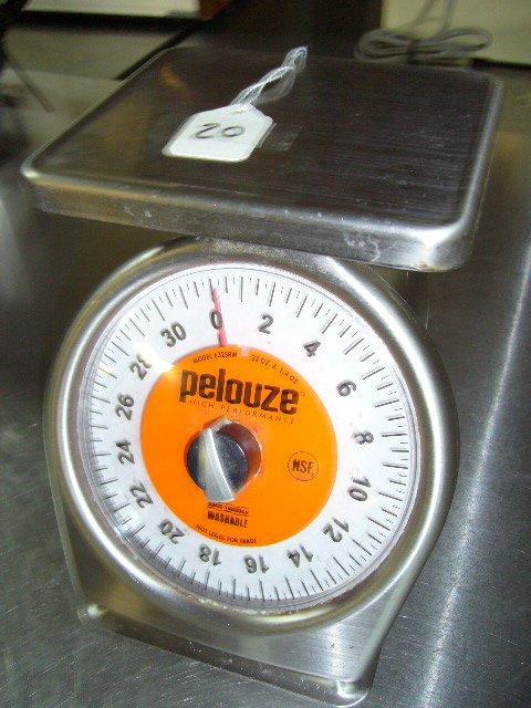 20: Pelouze 632SRW 32oz. X1/4oz. Manual Portion Control