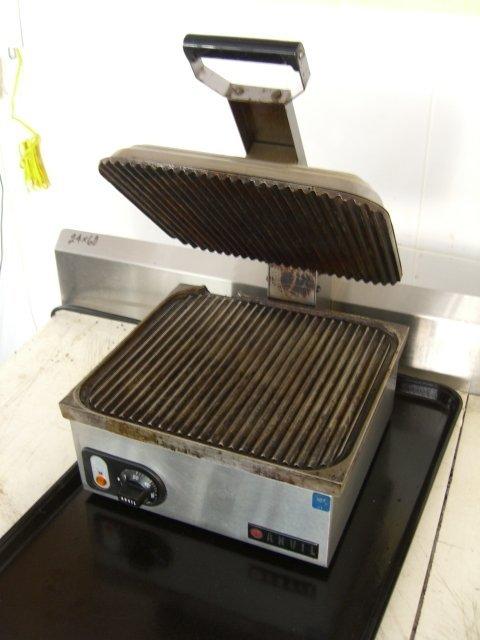 118A: Anvil TSA7209 Sandwich Press Panini Counter Top