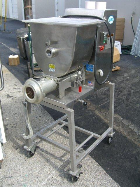 143A: Biro Mini-32 Mixer Grinder Automatic Feed 50lb.