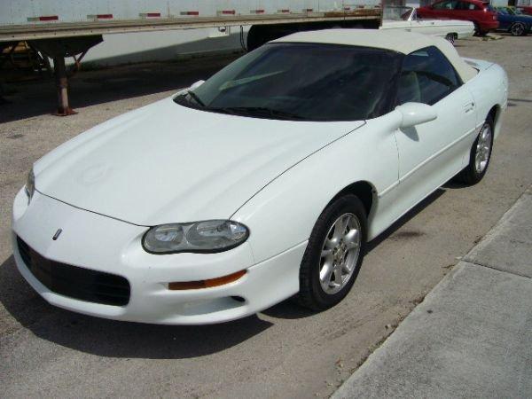 16B: 2001 Chevrolet Camaro White