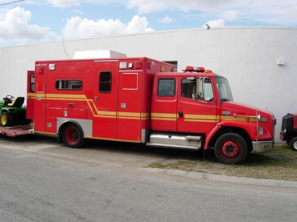 55B: 1999 Freightliner Ambulance