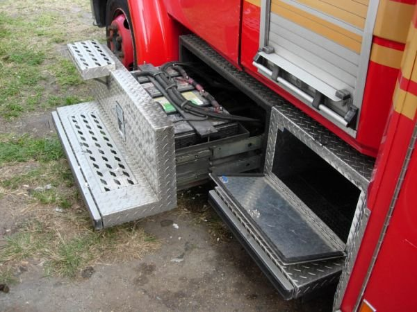 55B: 1999 Freightliner Ambulance - 8