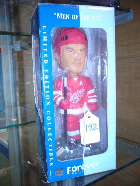 192: Lidstrom Red Wings Hand Painted Bobble Head Doll