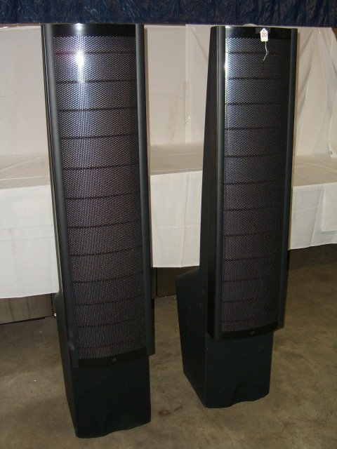 20: (2) Martin Logan Ascent Floor Model Speakers