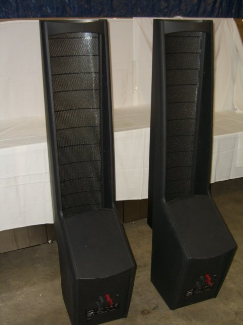 20: (2) Martin Logan Ascent Floor Model Speakers - 5