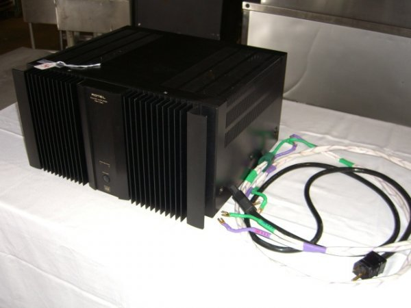 36: Rotel RB-1090 Power Amplifier - 2