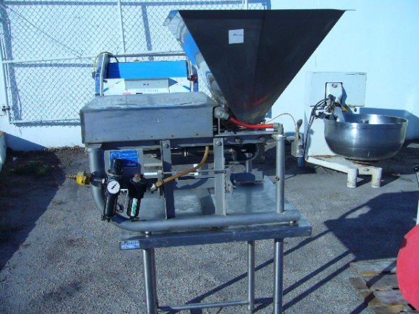 """515: Hinds-Bock 4P087 Muffin Depositor w/30""""x30"""" S/S Ta"""