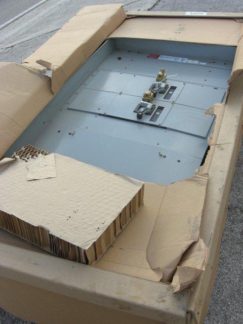 17: GE Spectra Series Circuit Breaker Panel Board