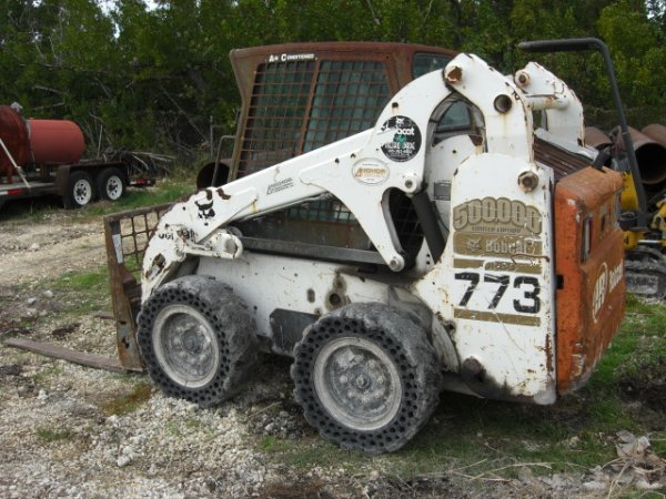 27A: 2002 Bobcat 773 Turbo w/Bucket & A/C