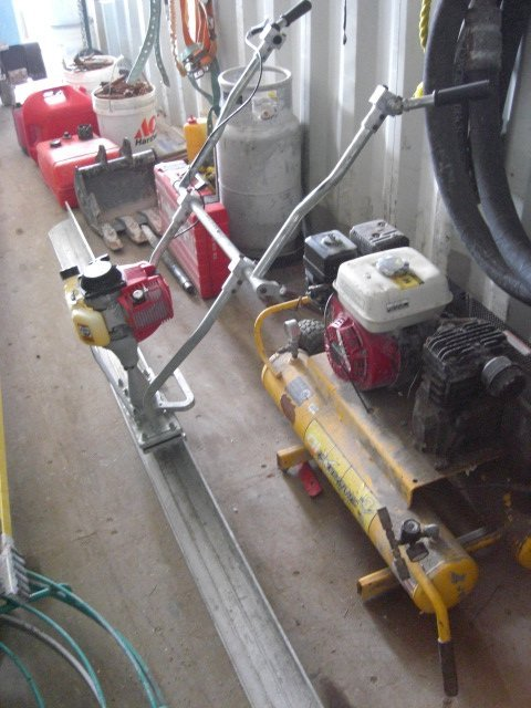 40A: 2005 Wacker Power Screed