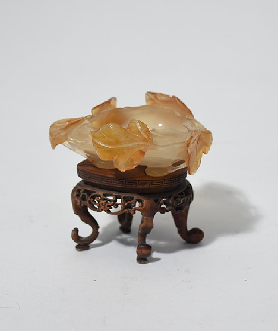 Early Chinese carved agate leaf carved bowl