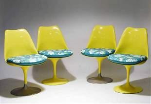Eero Saarinen Set of Four Tulip Dining Chairs