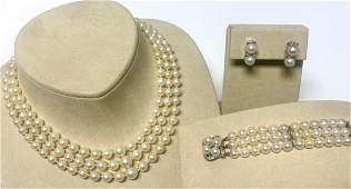 VINTAGE PEARL AND DIAMOND JEWELRY SUITE.