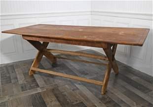 EARLY 19TH C. NE SAW BUCK TABLE
