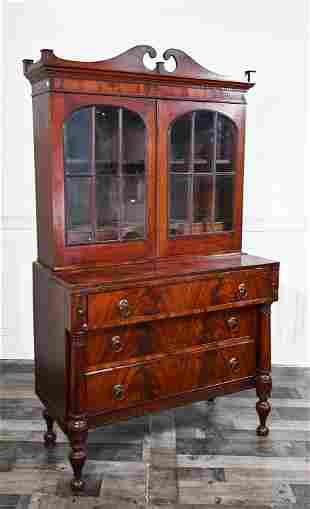 FEDERAL MAHOGANY SECRETARY BOOKCASE CA 1820-30