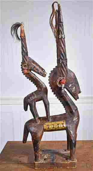 AFRICAN WOODEN CARVING OF ANTELOPE MOTHER AND BABY.