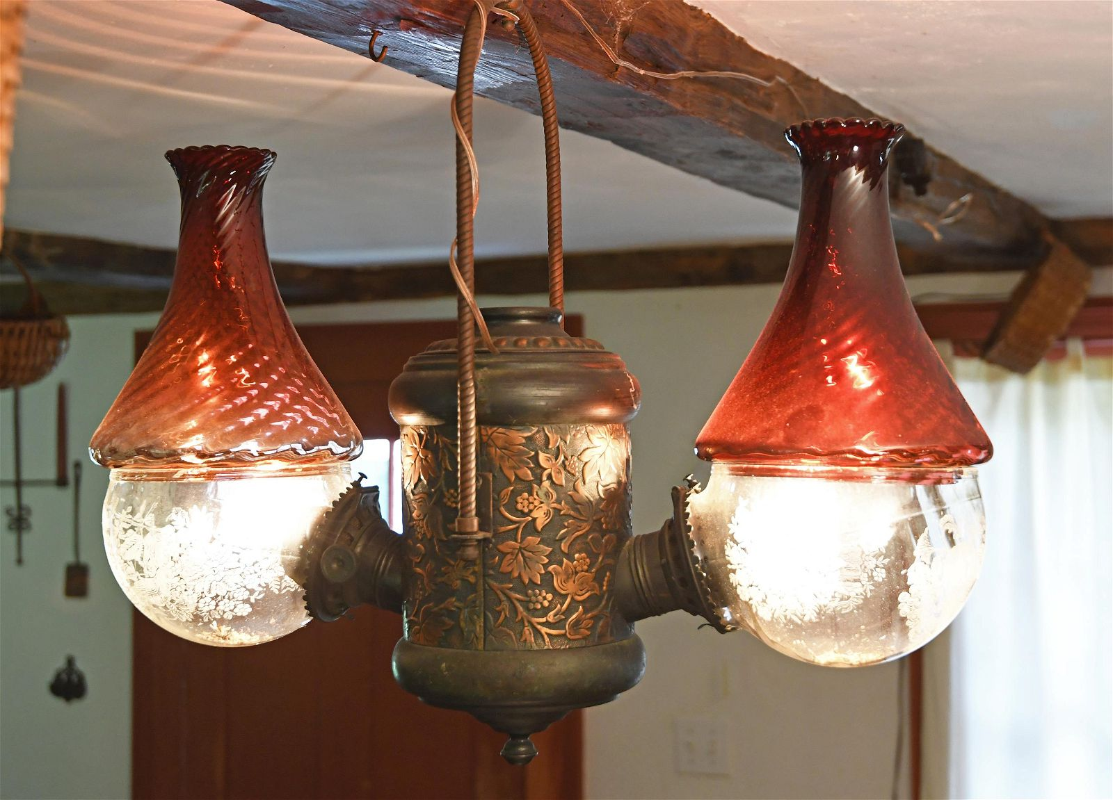 LATE 19TH C. DOUBLE ANGLE LAMP.