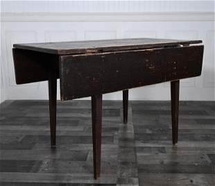 EARLY 19TH C. PAINTED DROP LEAF TABLE.