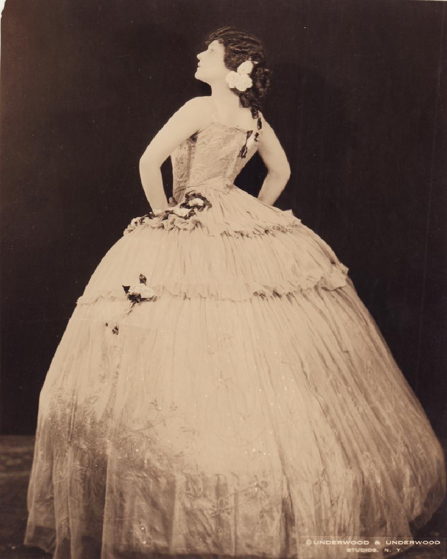 """Edith de Lis in Giuseppe Verdi's Opera """"La Traviata""""."""