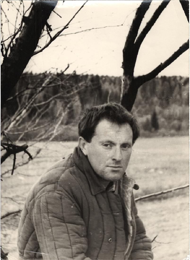 Joseph Brodsky in a village Norenskaya. Photo. 1964.