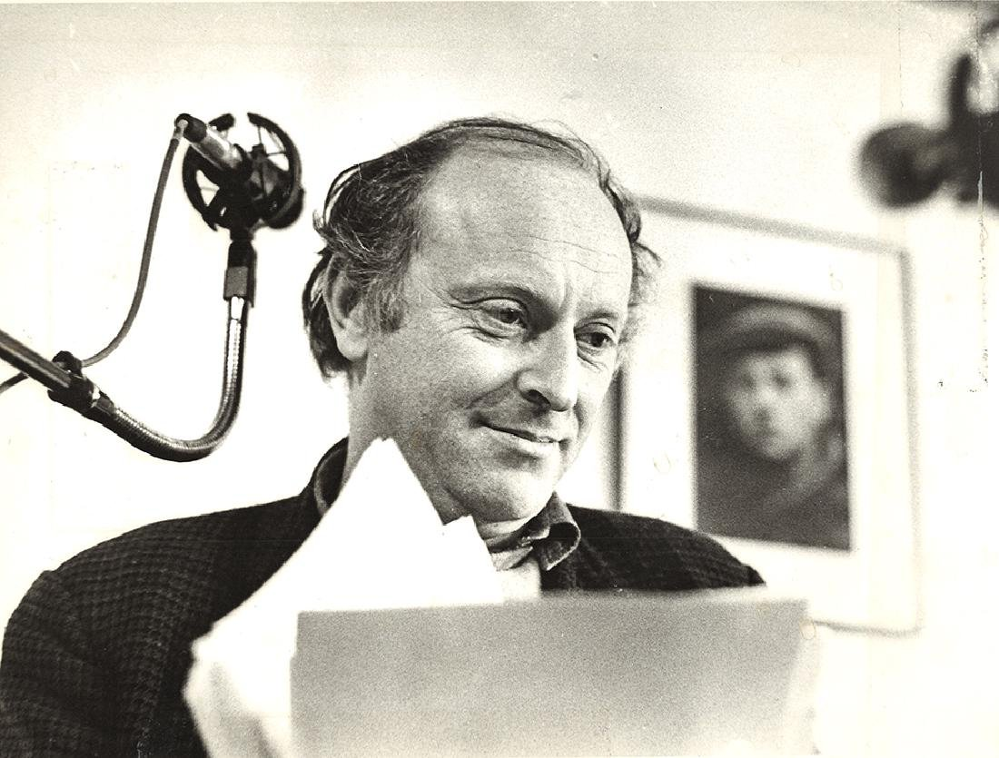 Joseph Brodsky is readind his poems in Nakhimkin's Gall