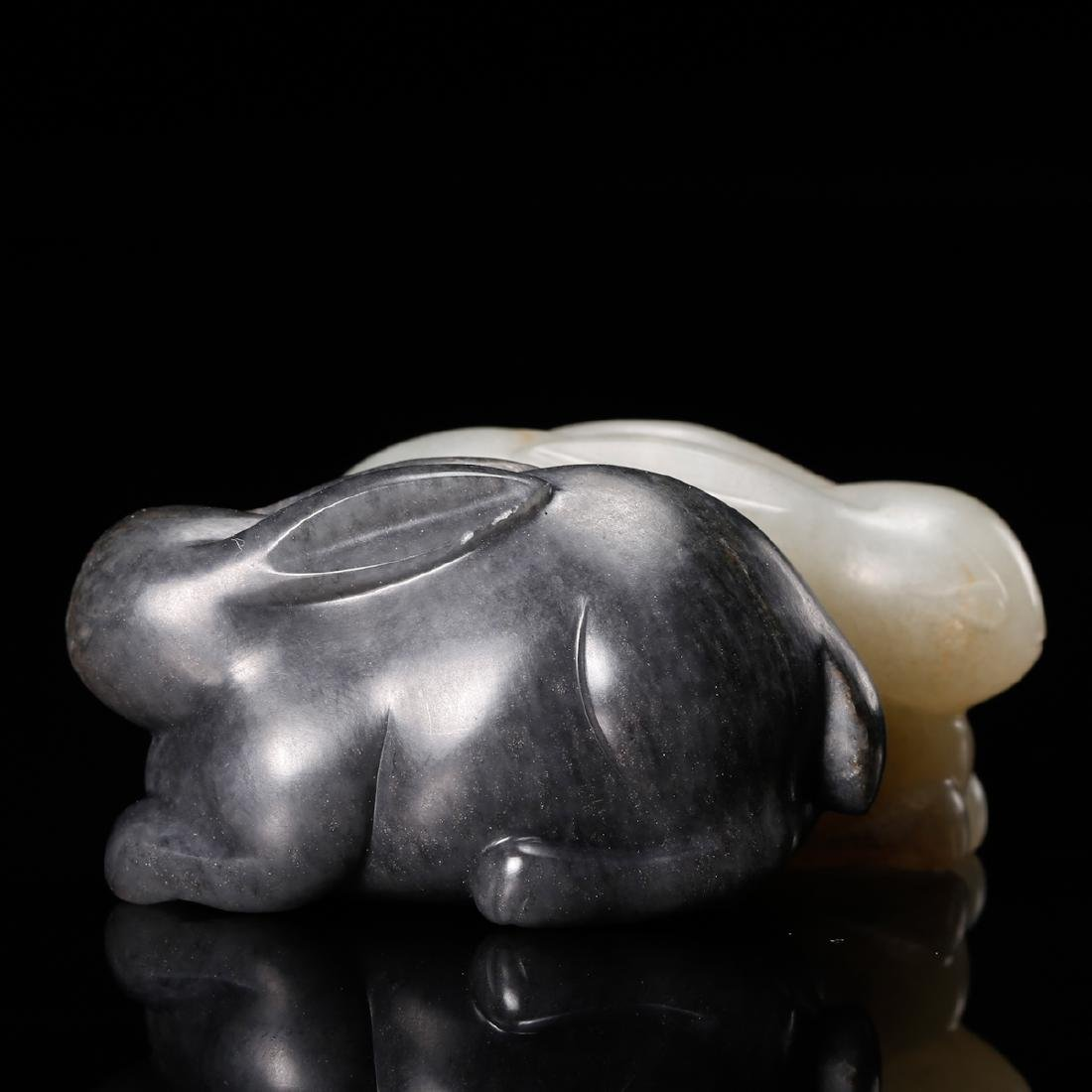 CHINESE GREY AND WHITE JADE CARVED RABBIT - 3