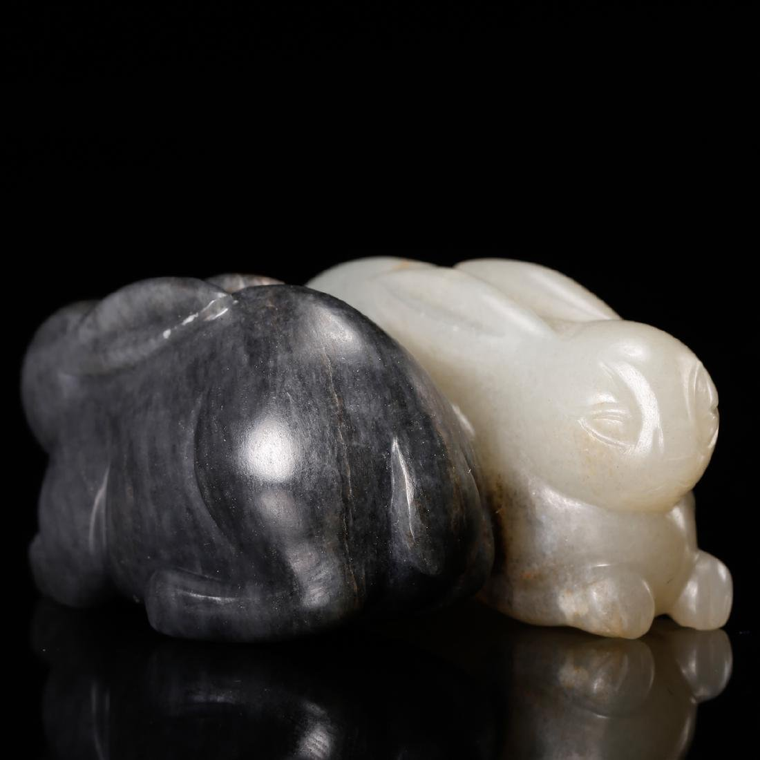 CHINESE GREY AND WHITE JADE CARVED RABBIT - 4