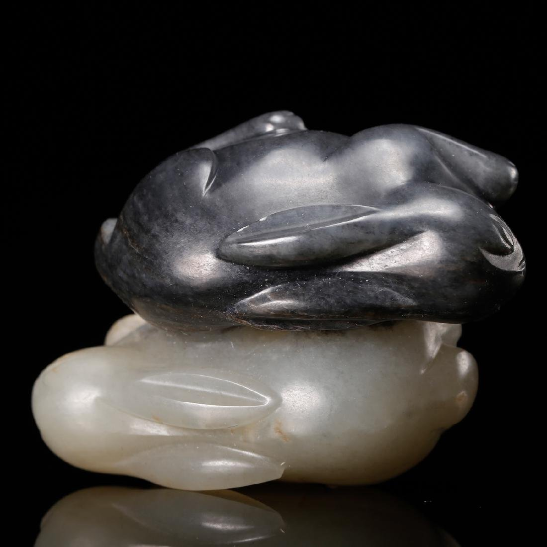 CHINESE GREY AND WHITE JADE CARVED RABBIT - 6