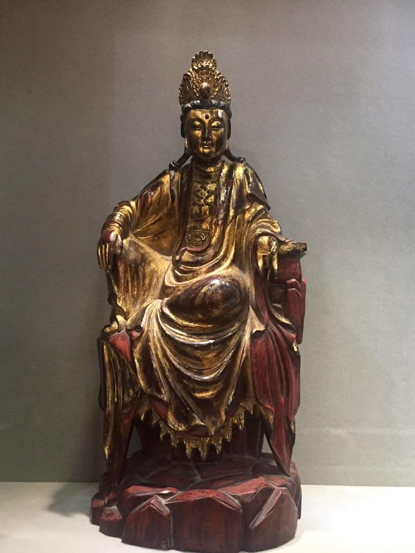 CHINESE GILT LACQUER WOODEN GUANYIN