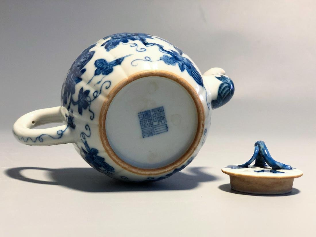 CHINESE BLUE AND WHITE PORCELAIN TEA POT - 6