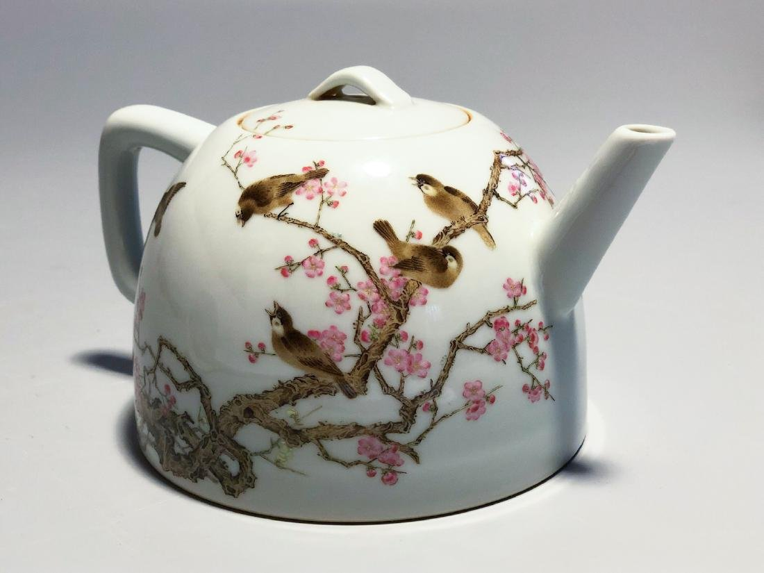 CHINESE FAMILLE ROSE PORCELAIN TEA POT - 4