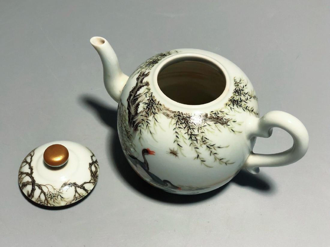 CHINESE FAMILLE ROSE PORCELAIN TEA POT - 6