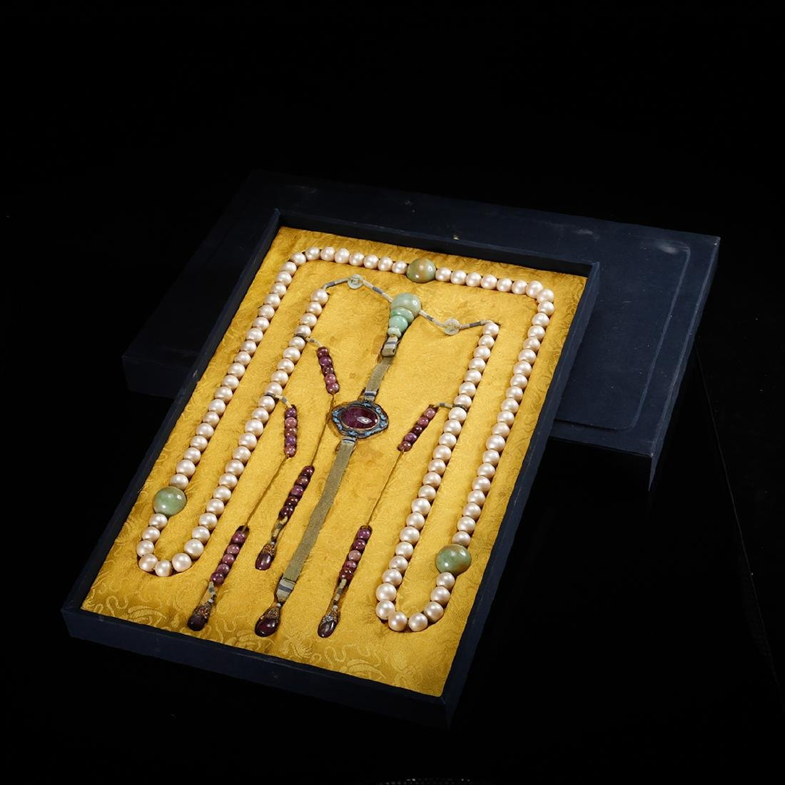 CHINESE PEARL COURT BEADS NECKLACE, QING