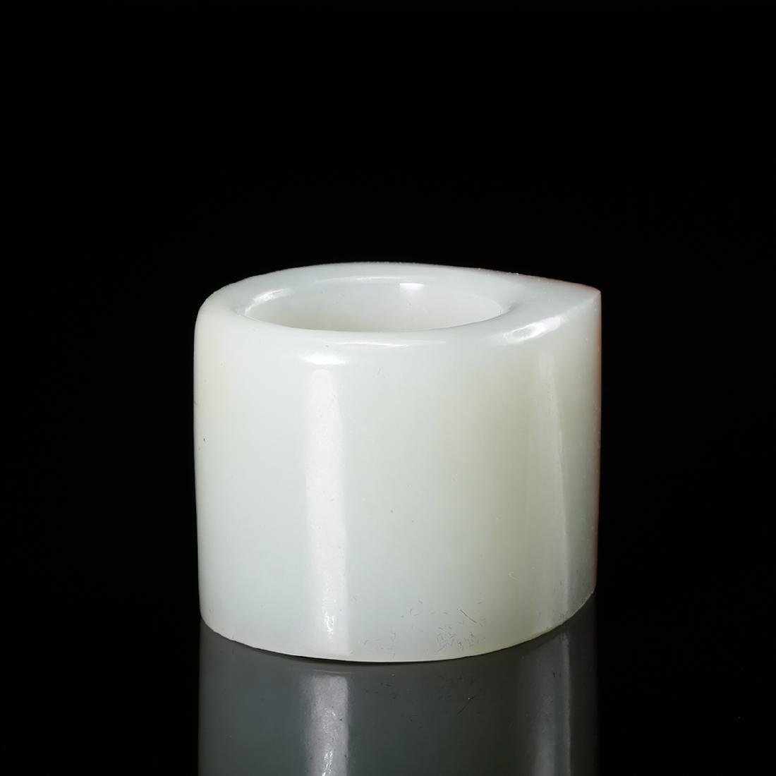 CHINESE WHITE JADE THUMB RING WITH RUSSET - 3