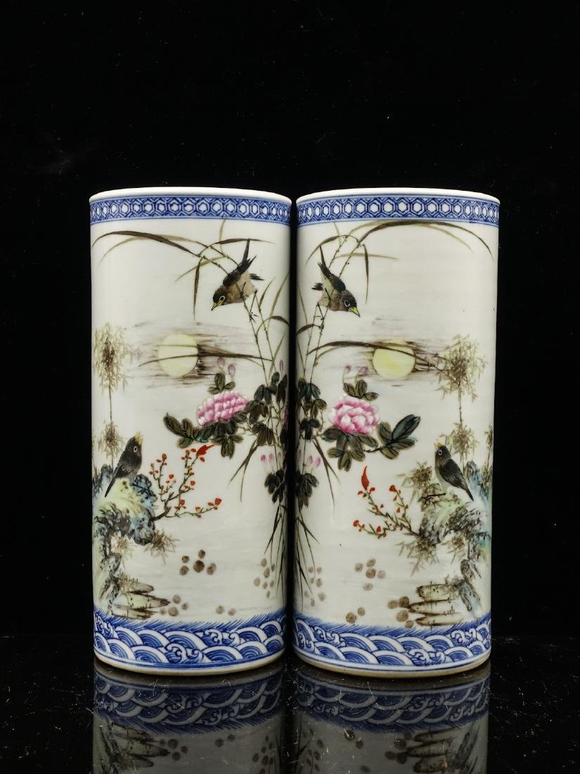 CHINESE FAMILLE ROSE PORCELAIN HAT STANDS, PAIR