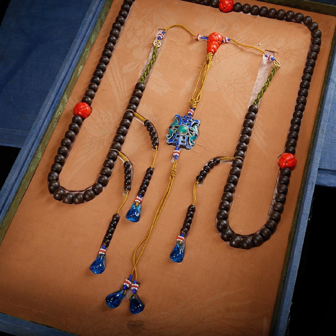 CHINESE CHENXIANG COURT BEADS NECKLACE, QING - 2