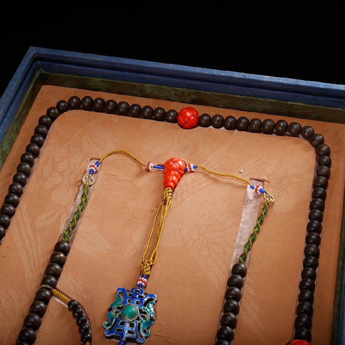 CHINESE CHENXIANG COURT BEADS NECKLACE, QING - 3
