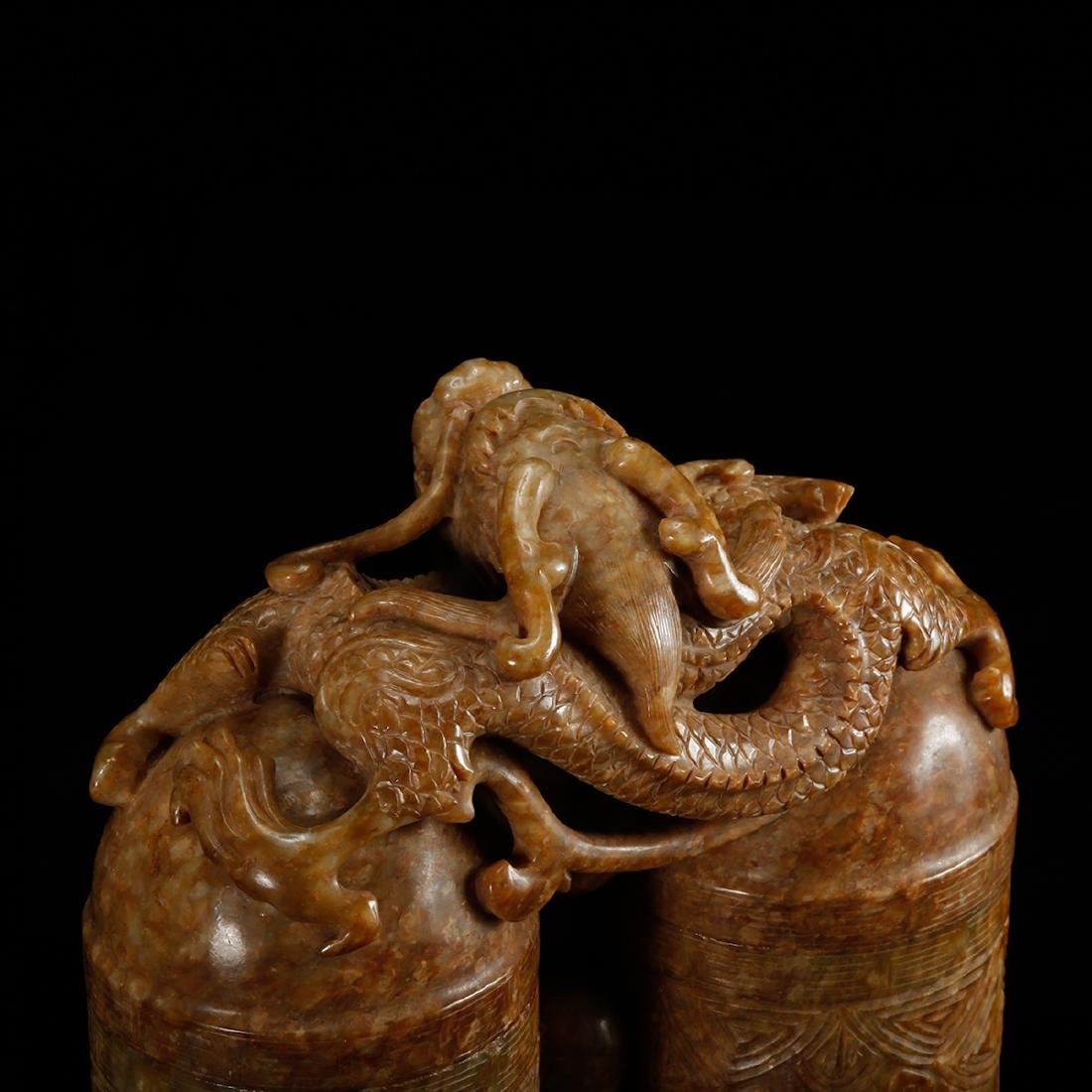 CHINESE JADE CARVED DOUBLE VASE WITH HERO MOTIF - 9
