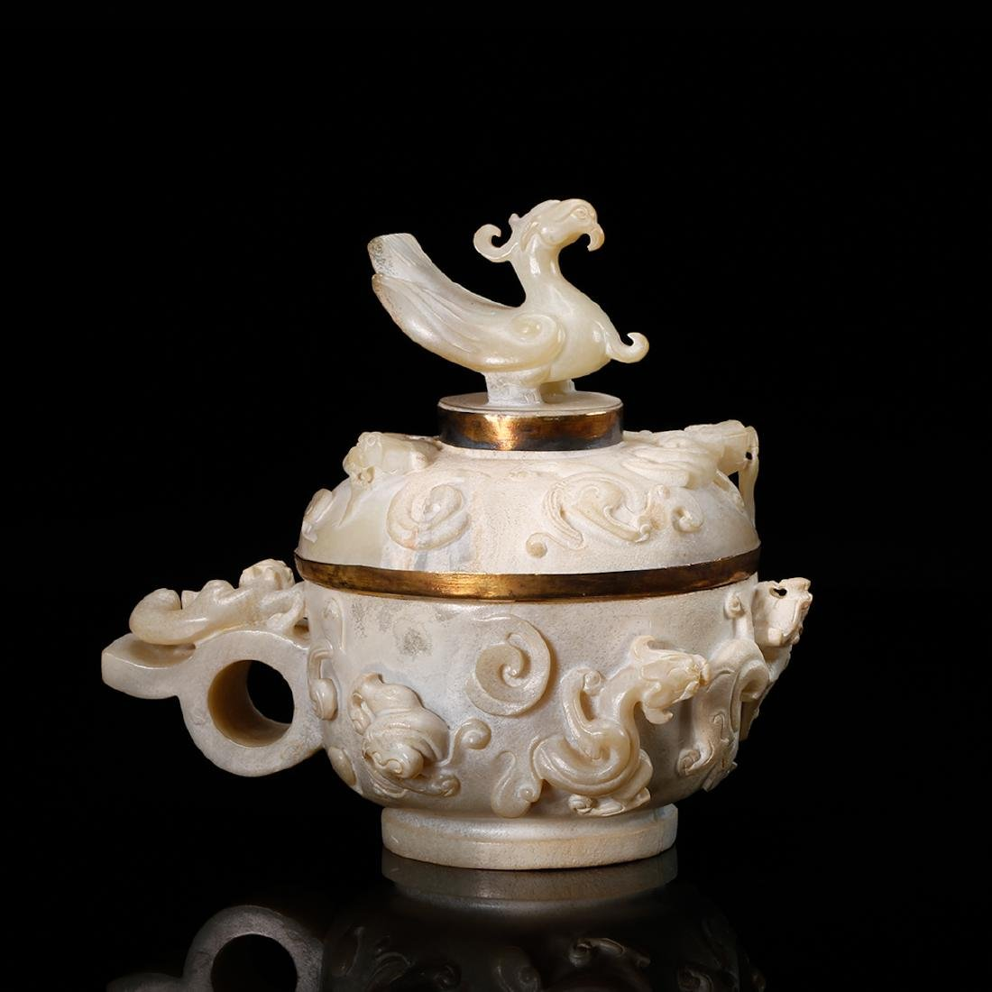 CHINESE ARCHAIC STYLE JADE COVER VESSEL - 3